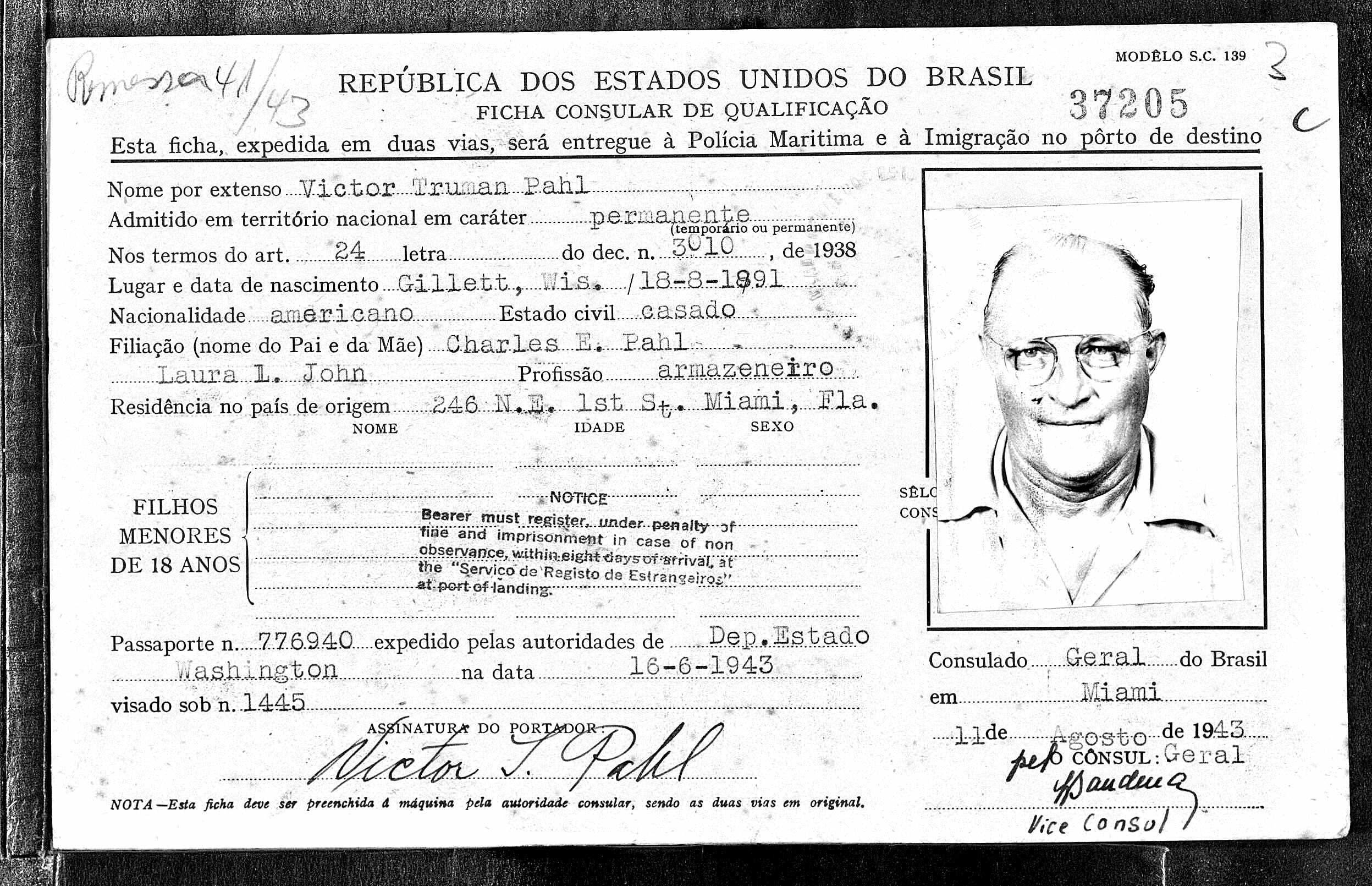 misc_pahlvic_passport1