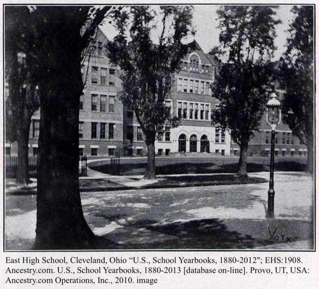 yearbook_hatchcharlotte_1908picofschool